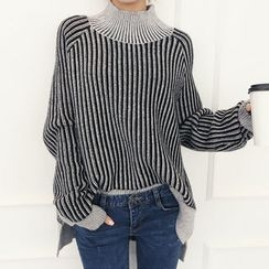 DANI LOVE - Mock-Neck Loose-Fit Ribbed Sweater