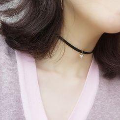 Persinette - 三角吊坠贴脖项链
