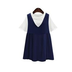 GRACI - Set: Short-Sleeve T-Shirt + Sleeveless Pleated Dress