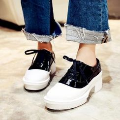 錦洋鞋業 - 粗跟撞色牛津鞋