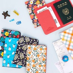 iswas - Pattern Passport Case
