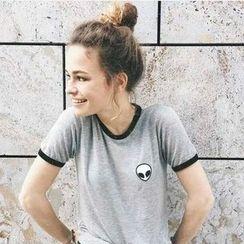 HOTCAKE - Short-Sleeve Embroidered T-Shirt