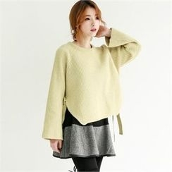 GLAM12 - Slit-Side Wool Sweater