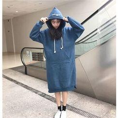 Jolly Club - Long-Sleeve Hooded Dress