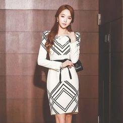 Styleonme - 印花緊身連衣裙連飾帶