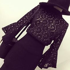 Ashlee - Lace Bell-Sleeve Top