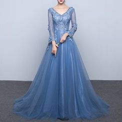 Luxury Style - Long-Sleeve Evening Gown