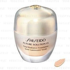 Shiseido - Future Solution LX Total Radiance Foundation SPF 15 (#I20 Natural Light Ivory)