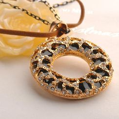 Fit-to-Kill - Circle Leopard Necklace