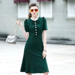 Queen Mulock - Short-Sleeve Buttoned Dress