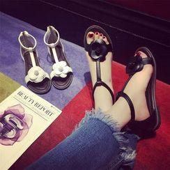 Hipsole - Flower-Accent Flat Sandals