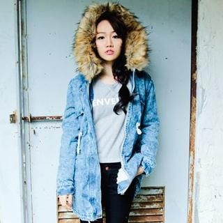 D.P-Shop - Faux-Fur Hooded Denim Jacket