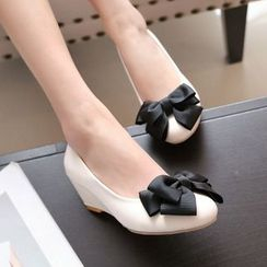 Pangmama - Bow-Accent Wedge Pumps
