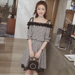 Munai - Elbow-Sleeve Lace-Trim Check A-Line Dress