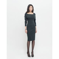 GUMZZI - Square-Neck Sheath Knit Dress