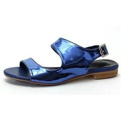 MODELSIS - Patent-Strap Buckled Sandals