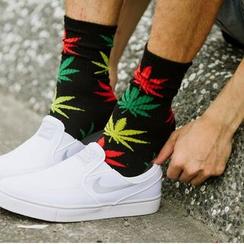 SeventyAge - 潮流配色大麻葉長筒襪子