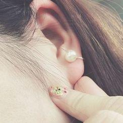 Jael - Single Faux Pearl Ear Cuff