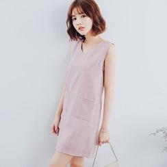 Tokyo Fashion - Check V-Neck Sleeveless Dress