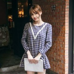 Tokyo Fashion - Long-Sleeve Check V-Neck Dress