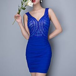 Posh Bride - Sequined V-Neck Sleeveless Bodycon Dress
