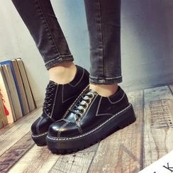 Sofree - Platform Lace Up Sneakers