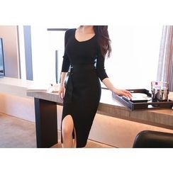 Marlangrouge - Midi Knit Bodycon Dress with Sash