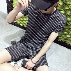 Fisen - Set: Pinstriped Short-Sleeve T-shirt + Shorts