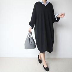 STYLEBYYAM - Wool Blend V-Neck Loose-Fit Knit Dress