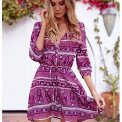 Hotprint - Patterned V-Neck 3/4-Sleeve Dress