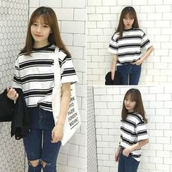 CosmoCorner - Loose-Fit Round-Neck Striped Short Sleeve T-Shirt