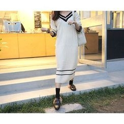 MARSHMALLOW - V-Neck Contrast-Trim Knit Dress