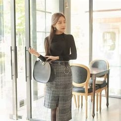 Cherryville - Set: Mock-Neck Knit Top + Check Dress with Belt