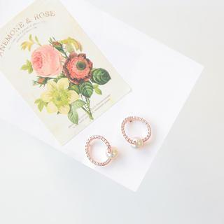 soo n soo - Faux-Pearl Rhinestone Earrings