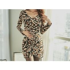 UUZONE - Geometric Print Shirred Wrap Dress