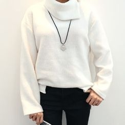DANI LOVE - Slit Turtle-Neck Ribbed Sweater