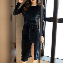 Aurora - Long-Sleeve Velvet Sheath Dress