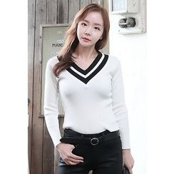 Dalkong - Long-Sleeve V-Neck Knit Top
