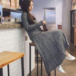 Poppy Love - Set: Plain Sweater + A-Line Knit Skirt