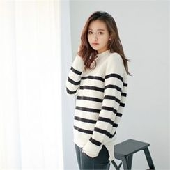 Styleberry - Crew-Neck Stripe Sweater