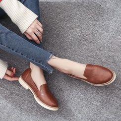 QQ Trend - 仿皮乐福鞋