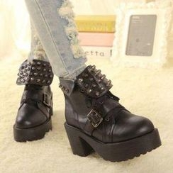 Mancienne - Studded Short Boots