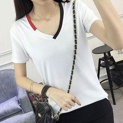 Mukouf - Short-Sleeve V-Neck T-Shirt