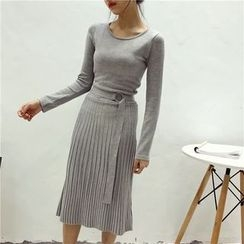 Octavia - Pleated Midi Knit Dress