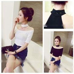 Oaksa - Off-Shoulder Choker Top