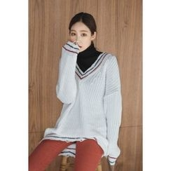 migunstyle - V-Neck Contrast-Trim Knit Top