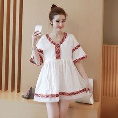 Ceres - 孕婦短袖V領刺繡連衣裙