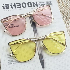 FaceFrame - Colored Lens Cat Eye Sunglasses