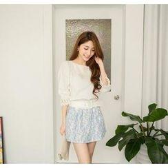 Hanako Shiratori - Set: Lace Panel Blouse + Embroidered Miniskirt
