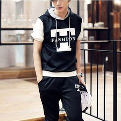 Bay Go Mall - Set: Letter Short-Sleeve Hoodie + Capri Pants